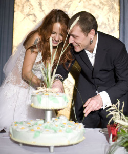 tortik 250x300 Венчание и свадьба МакSим